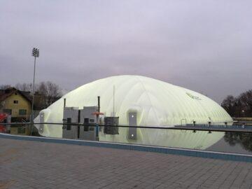 Generatori d'ara calda per pressostruttura per piscina