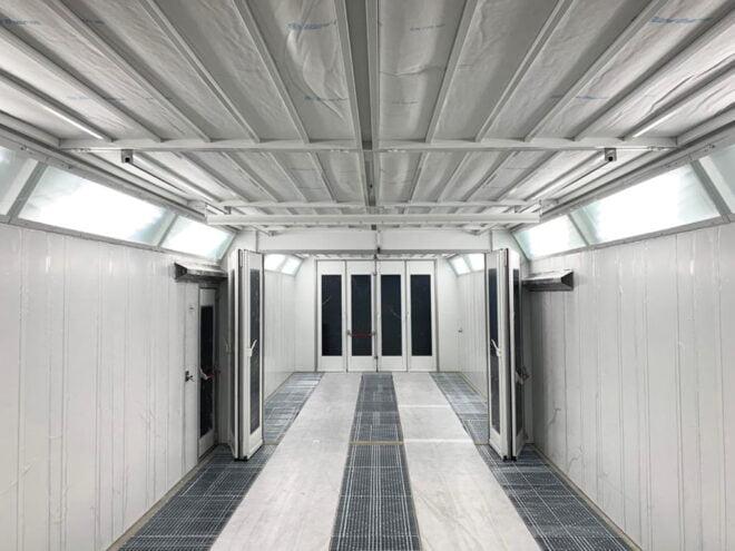 Cabina di verniciatura industriale - interno