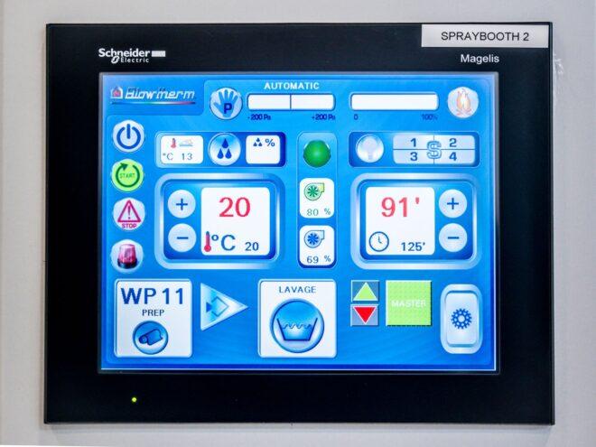Regolazione elettronica PLC per cabina verniciatura industriale